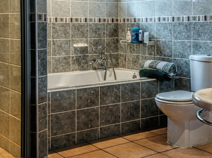 Replacing or Installing a New Toilet: An Easy DIY Guide